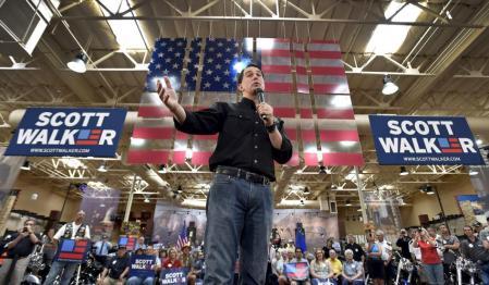 Walker campaigning at a Harley-Davidson dealer - Image Credit to David Becker/Reuters