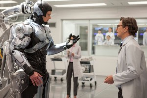 ROBOCOP - 2014 FILM STILL - (L-R): Joel Kinnaman and Gary Oldman - Photo Credit: Courtesy of Columbia Pictures and MGM Pictures.