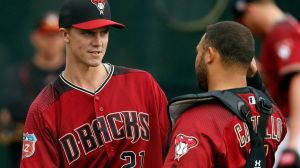 mlb-dbacks-zack-greinke-welington-castillo-021916.vresize.1200.675.high.1